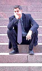 Η κατάθλιψη προσβάλλει περίπου 7% των ανδρών κάθε χρόνο.
